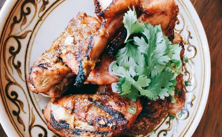 夏にぴったりなスパイシー焼き鶏&さっぱりキノコのトムヤム