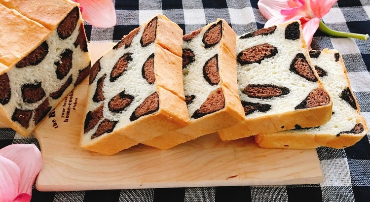 ヒョウ柄食パン