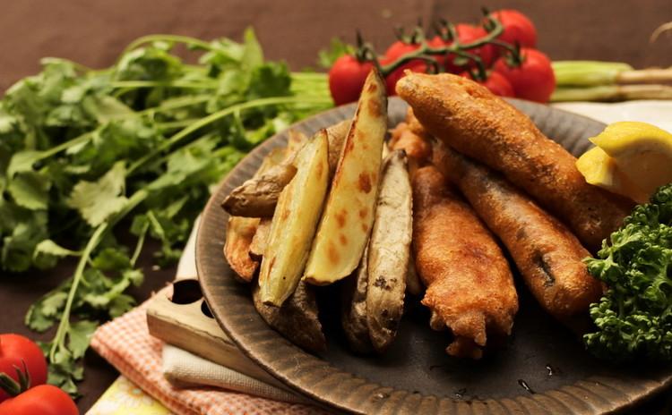 山盛り夏野菜とバクリと頬張るハンバーガー、フィッシュ&チップス!全8品