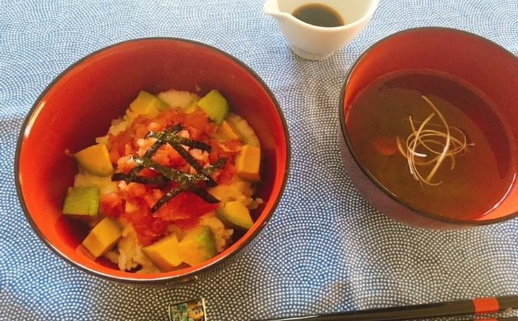火を使わない料理レッスン まぐろアボカド丼、梅おぼろ昆布汁、夏野菜山形だし、じゃこサラダ他