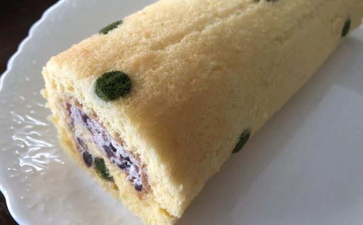 抹茶ドットの小豆ロールケーキ!