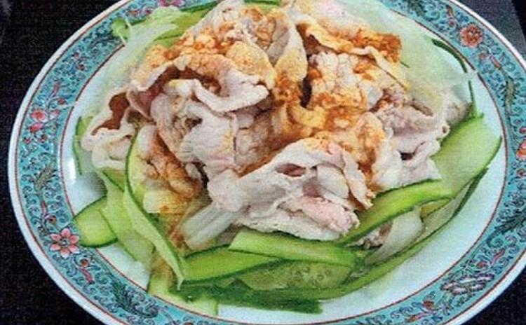 ゆで肉と野菜のにんにくソース和え(雲白肉片)