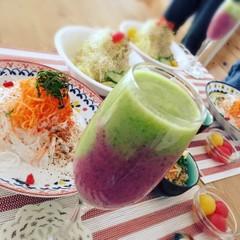 ほぼ生の野菜や果物を使って、酵素の力について学びましょう。