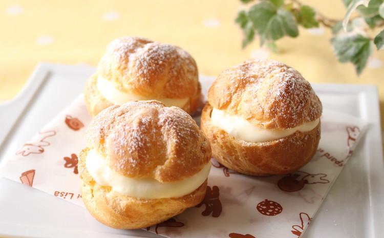 焼きたてシュー・ア・ラ・クレーム& 卵白の焼き菓子ラング・ド・シャ♪