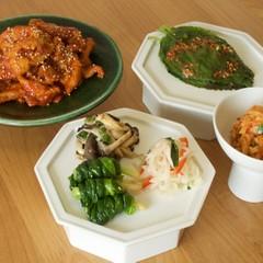 常備菜にもおすすめ!5種のナムルと豚肉コチュジャン炒め