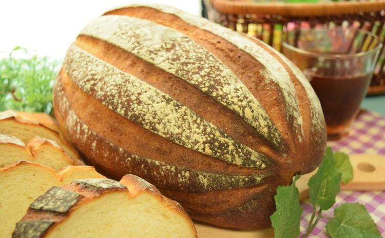 お手軽材料でできるミルクハースブレッド&人気の総菜メニュー☆ちくわパン