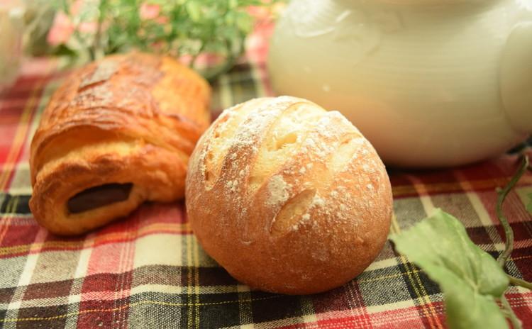 ♪優しい甘さのミルクボールブレッド&ネギ・マヨ・チーズパン(^^)/