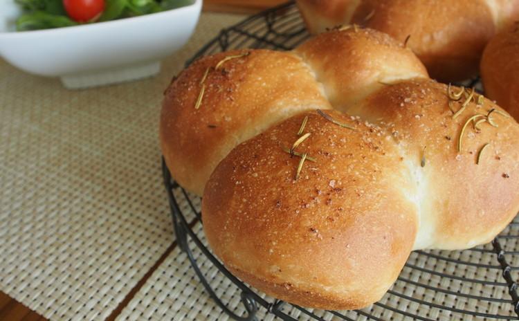 チーズフォカッチャとあん食パン