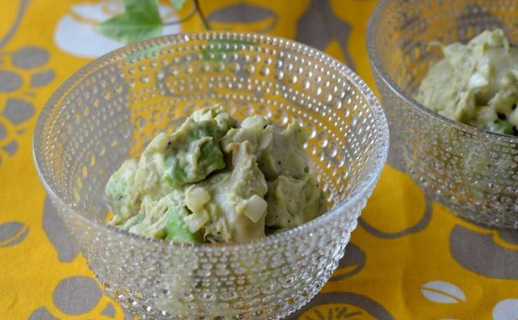 里芋とアボカドと玉葱の和風サラダ