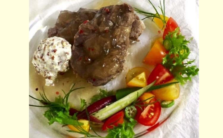 夏にぴったり♪しっとり柔らか牛すね肉の冷製マスタードアイス添え 他3種