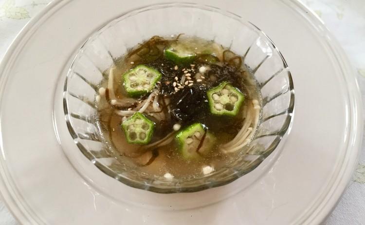 もずく エノキ オクラの中華風スープ