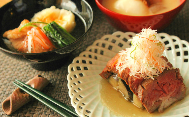 二種類のお雑煮と和風ローストビーフで 手づくりお正月