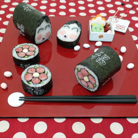 節分の恵方巻がわりに文様の巻き寿司