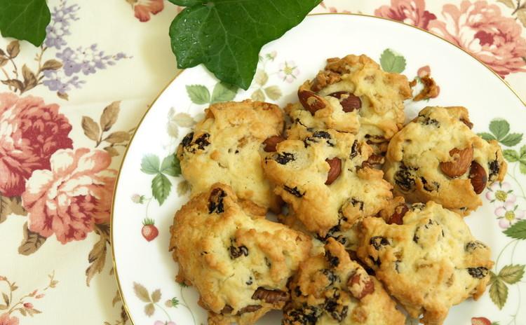 超シンプル捏ねないパン&レーズンナッツのロッククッキー♪