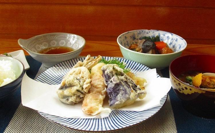 お料理の基本 天婦羅と南瓜煮物とあさりの赤出汁
