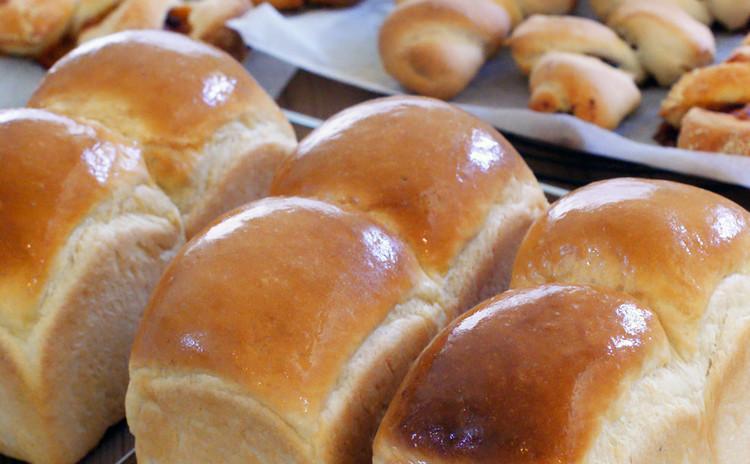 【体験レッスン♪】毎日作りたい、食べたいシンプルなパン♪エシレバターの山食とベーコンエピ3種