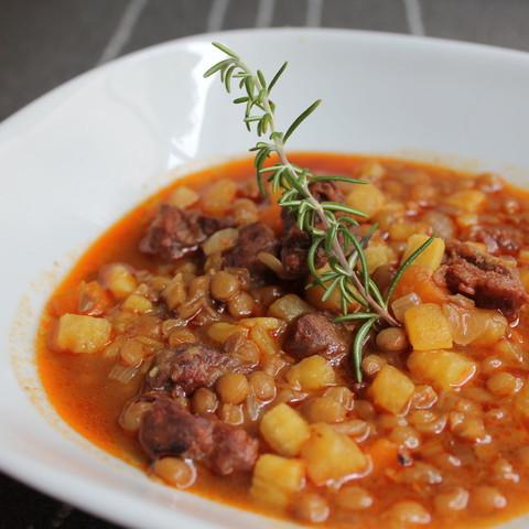 レンズ豆と牛肉のスープ