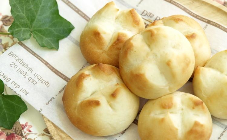 ボンゴレビアンコ、捏ねないで作るシンプルパンとお手軽ヨーグルトデザートのレッスン♪