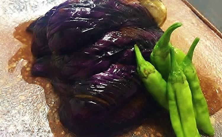 食欲の秋到来!湯気までおいしいジューシーメンチ&季節の味わい茄子の揚げ浸し他