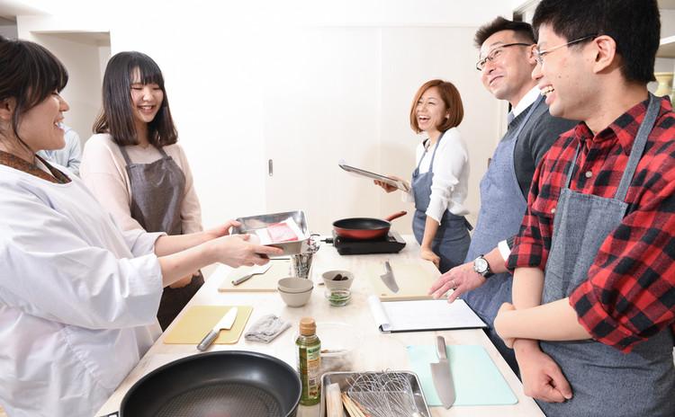 嫁活【ヨメカツ】 料理教室♪魚をさばいてみよう「アジフライ」