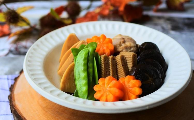 全国の郷土料理とサンマの三枚おろしを一人1尾、2種のハロウィンシュークリーム♪全6品