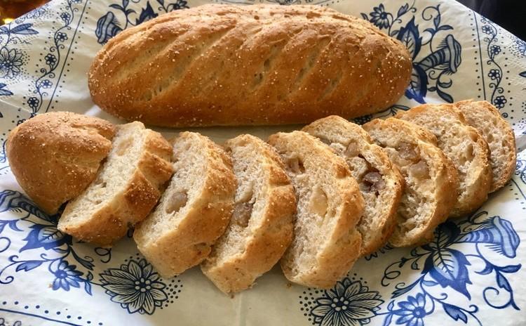 パンコンプレ(くるみ入り全粒粉のパン)プレーン・マロングラッセ