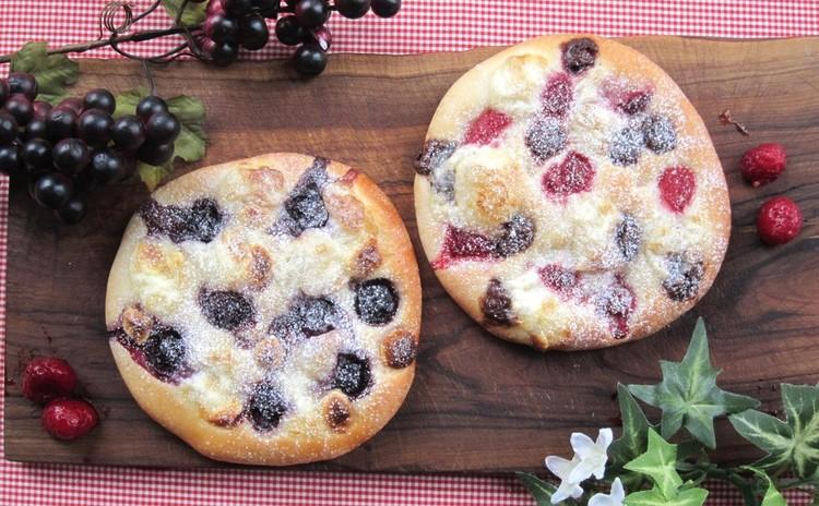 1つの生地でお食事とデザート!「カルツォーネ」と「ドルチェピザ」ホシノ天然酵母で
