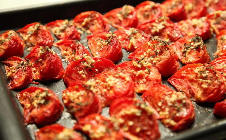 トマトの美味しさ新発見!トマトコンフィと海老のパスタとパテとリンゴのデザート