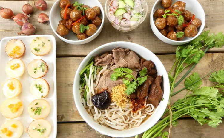 タイの屋台で食べた味!センレックヌア「ビーフヌードル」
