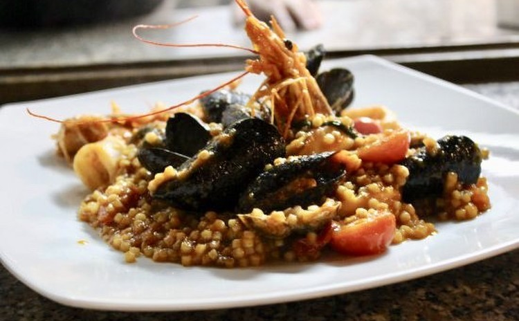 イタリア人シェフと作る本格イタリアン/魚介トマトソースのフレグラとトルタカプレーゼ(フレグラパスタのおみやげ付き)