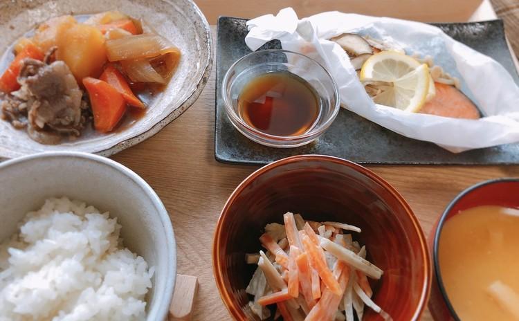 ♪基本の おうちごはん②♪ 肉じゃが&レンジで蒸し焼き秋鮭の 柚子コショウ風味&ごぼうサラダ 他 おみそ汁&ごはん