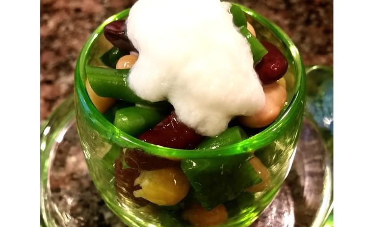【ヘルシーインド料理】チキンインドカレー、クミンライス、真っ白ドレッシングの豆サラダ
