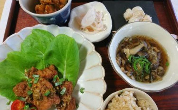 大豆ミートを美味しく使いこなそう! 大豆ミートの油淋鶏から人気の自然食のコース。