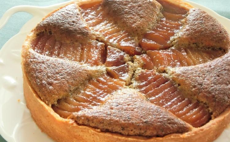 クリスマスに!鶏肉の赤ワイン煮、魚介とキヌアのサラダ、洋梨とアールグレーのタルト