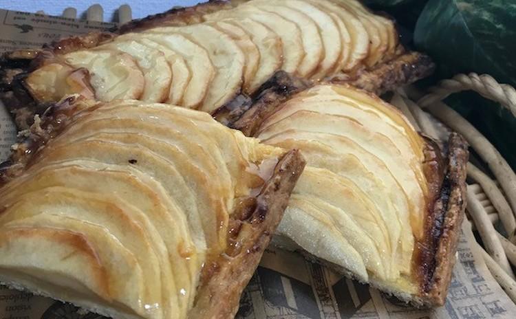 紅玉りんごの薄焼きパイ(22㎝のパイ2本)