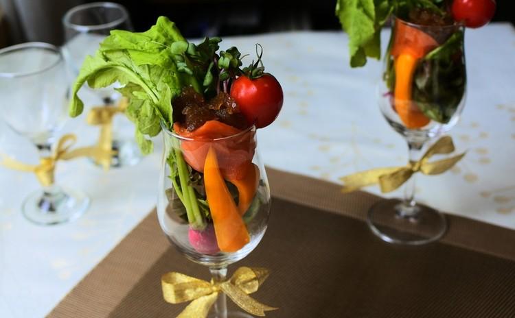 お手製コンソメのジュレ 農園風彩り野菜のサラダ