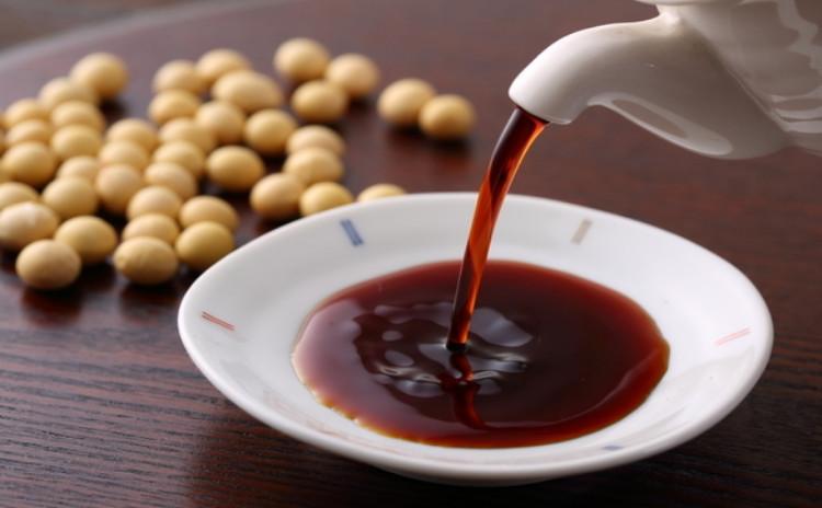 【うめちゃんの発酵教室】生醤油一番絞りが楽しめる!厳選素材で仕込む「濃口醤油仕込みクラス」