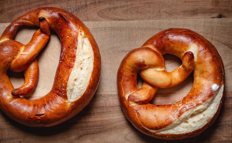 酒粕酵母パン!プレッツェル&自家製ベーコンパン、簡単ベーコン