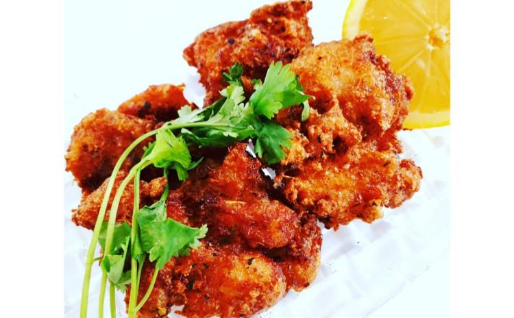 【カロリー大幅オフ】ガパオライス/鶏肉のバジル炒めご飯、ガイトート/鶏肉のレモングラス唐揚げ