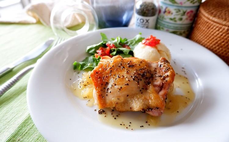 チキンのカリカリグリル レモンビネガーとバターの濃厚ソース