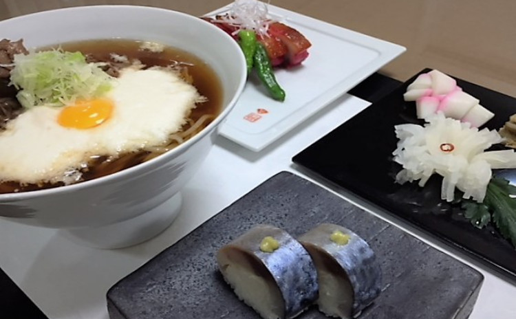 年越し準備に!おせちの定番3種&広東風焼豚&鯖棒寿司♪牛しぐれとろろ蕎麦もご一緒に