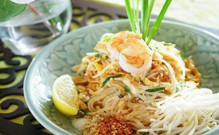 本当に美味しく作れる本格タイ料理。「本気のパッタイ」と「絶品トムカーガイ」