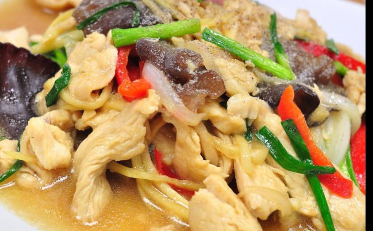 辛くない美味しいタイ料理。冬の体に良い食材をたっぷり食べよう。誰にも絶品タイ料理が作れる。