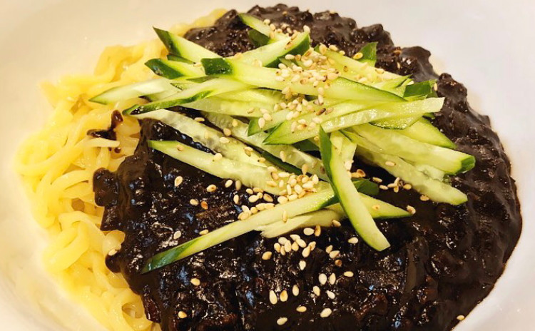 タンスユク탕수육ジャジャン麺짜장면