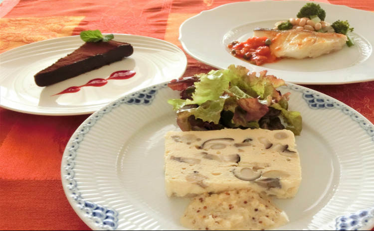 リクエストレッスン 冬のおもてなし◇きのこたっぷりテリーヌ、タラのポワレ、生チョコレートケーキ