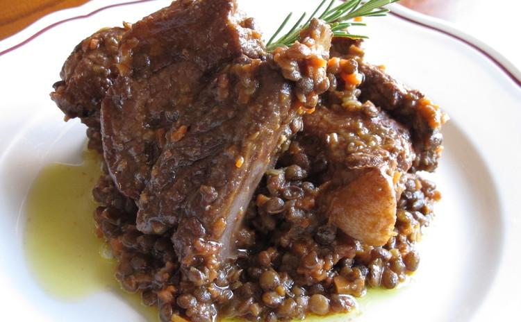 スぺアリブとレンズ豆の煮込み