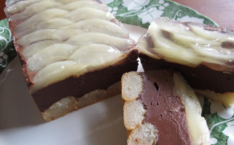豚肉の白いラグーポルチーニ風味、鶏肉とほうれん草のスピナッチーネ、洋ナシとチョコレートのテリーヌ