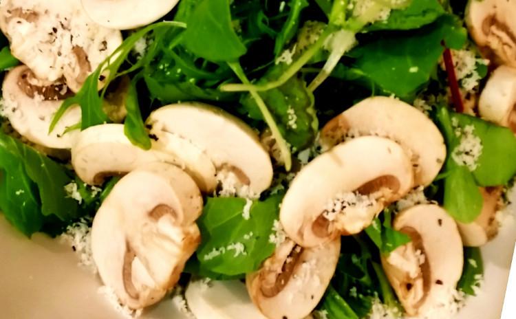 【X'masメニューにも!】トリッパと白いんげん豆のトスカーナ風トマト煮込み、ボンゴレビアンコ、マッシュルームチーズサラダ