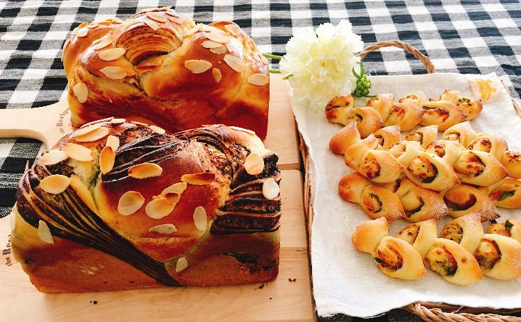 折り込み食パン(パネトーネマザー酵母)マロンシートまたはショコラシートどちらか一点とミニエピ(ヨーグルト酵母+少量イースト)