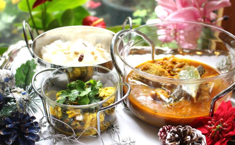 名店「モティ」の「パラックパニールカリー」と「シャルマパンジャビカリー」でおもてなしインド料理